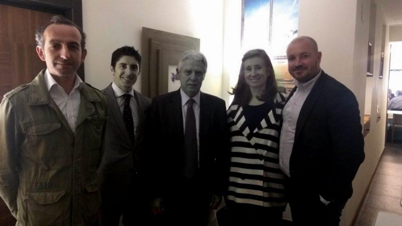 Encuentro con el portavoz adjunto del PSOE en el Senado, Francisco Menacho