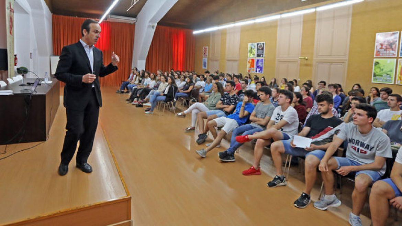 """Mauricio García de Quevedo protagoniza el inicio de nuestra iniciativa """"Vuelta al Colegio"""""""